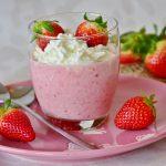 Verrine de Mousse légère à la fraise