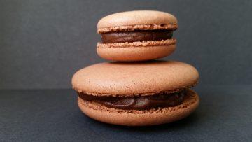 Macaron café, chocolat et rhum